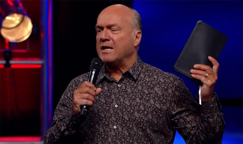 Pastor Greg Laurie. (Imagem: Youtube)