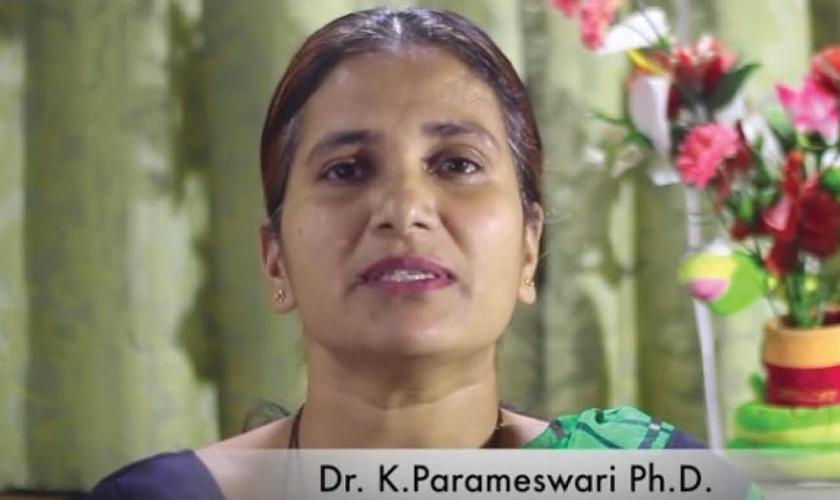 K. Parameswari é indiana e atualmente é Ph.D em Química. (Imagem: GospelTruth)