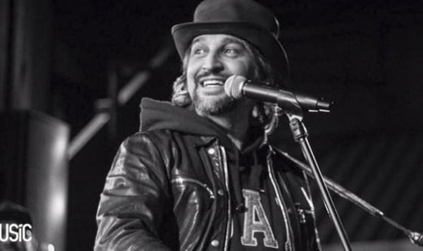 O cantor informou que fará um verdadeiro passeio por sua história na música. (Foto: Divulgação).