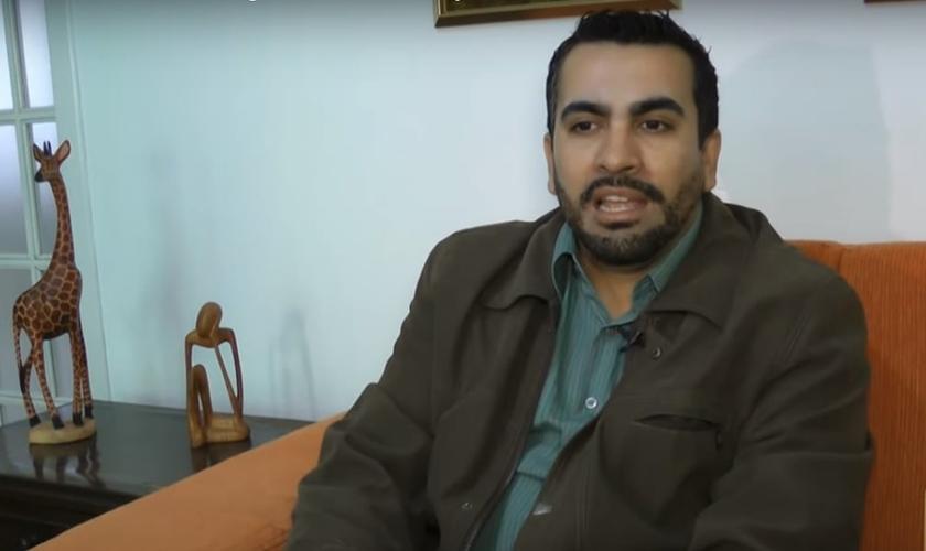 Roberto Fernandes. (Imagem: Youtube)
