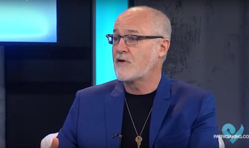 """James Goll é pastor e líder do ministério """"God Encounters"""" (""""Encontros com Deus""""). (Imagem: Youtube)"""