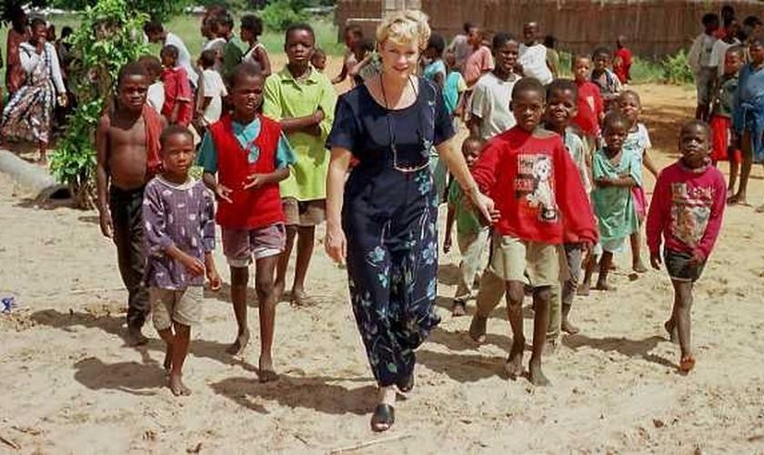 Heidi se mudou para Moçambique em 1995, para se dedicar integralmente. (Foto: Iris Global Ministries)