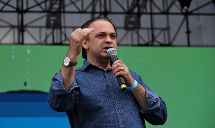 Roberto de Lucena é deputado federal pelo PV - SP e pastor da Igreja O Brasil para Cristo. (Foto: Divulgação)