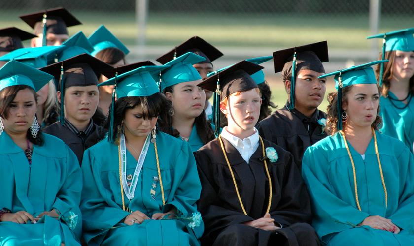 Estudantes da oitava série em cerimônia de formatura da Waterford Middle School. (Foto: John Patten/Flickr)