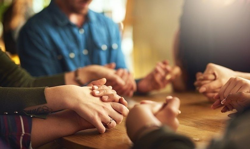 Oração. (Foto: Getty Images)