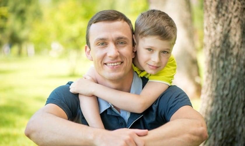 Pai e filho. (Foto: mignews.com)
