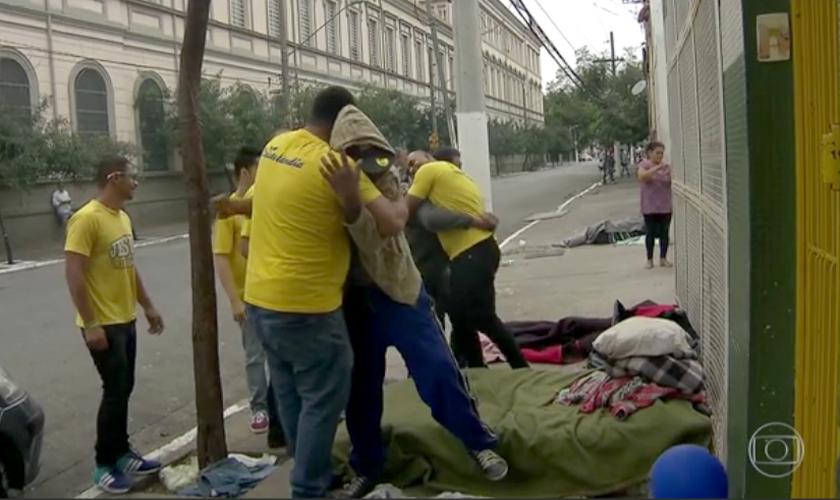 O programa já tratou seis mil dependentes a partir de ações simples, como abordagens nas ruas. (Foto: Bom Dia Brasil/TV Globo)