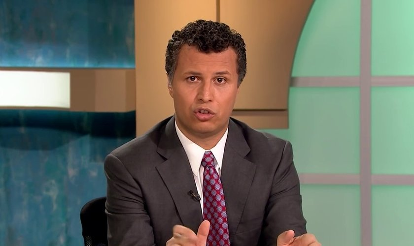 """Irmão Rachid é atualmente autor apresentador de um programa árabe chamado """"Daring Questions"""" (""""Questões Desafiadoras). (Imagem: Youtube)"""