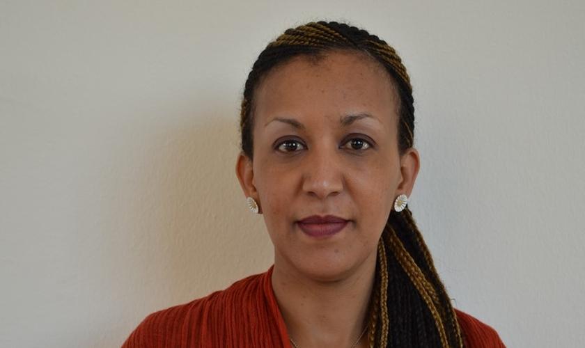 Helen Berhane passou dois anos presa em um container e era regularmente retirada de seu cativeiro para ser espancada. (Foto: religionnews)