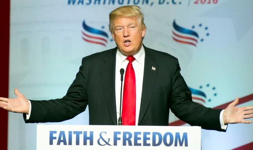 Donald Trump durante Conferência da Faith & Freedom. (Foto: AP)