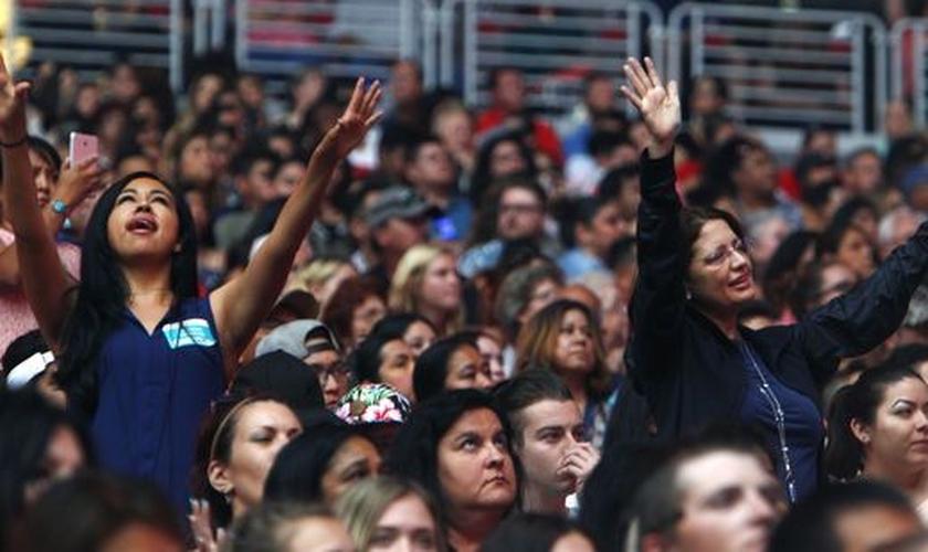 Mais de 2 mil pessoas indicaram a decisão de seguir a Jesus Cristo. (Foto: Sam Caravana/The Republic)