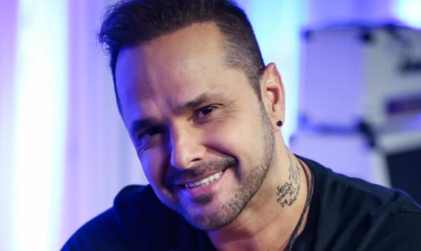 Tchelo compôs seu primeiro álbum gospel durante fase na clínica de recuperação. (Foto: Divulgação)