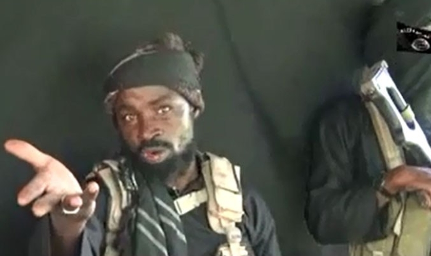 Abubakar Shekau em novo vídeo faz ameaça aos cristãos. (Foto: Reprodução).