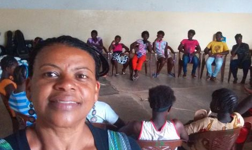 Rosenilda Assis foi enviada em 2015 e desde então tem realizado trabalhos com educação local. (Foto: JMM).