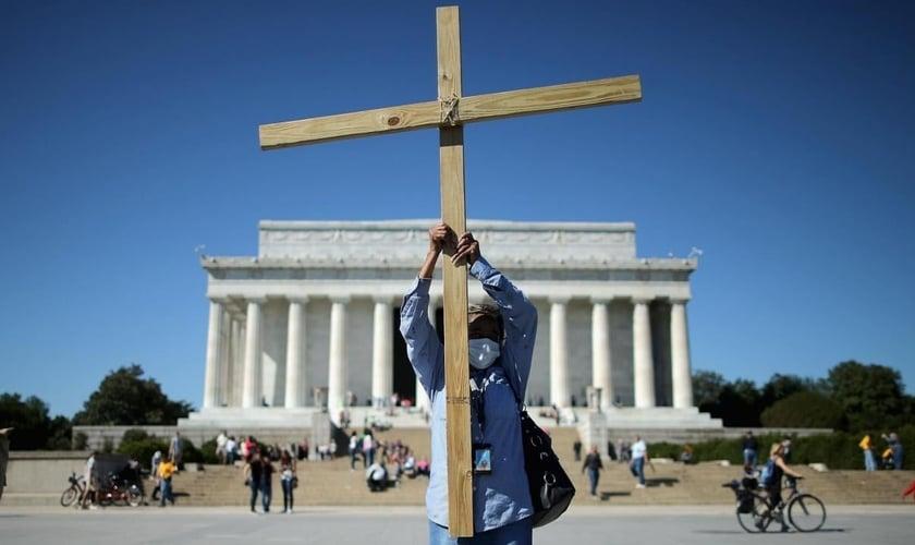 Pessoas religiosas são mais tolerantes a diferentes pontos de vista do que ateus. (Foto: Chip Somodevilla/Getty Images)
