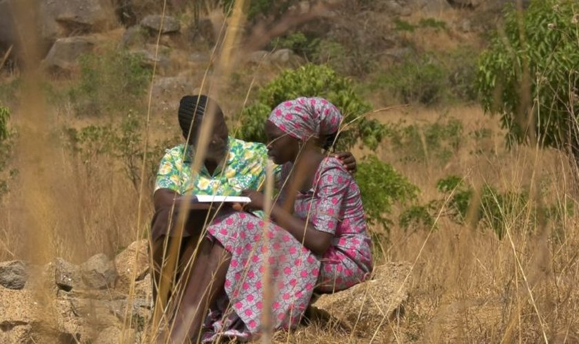 Martina recebeu ajuda de missionários para conseguir lidar com a morte de seu pai. (Foto: WWM).