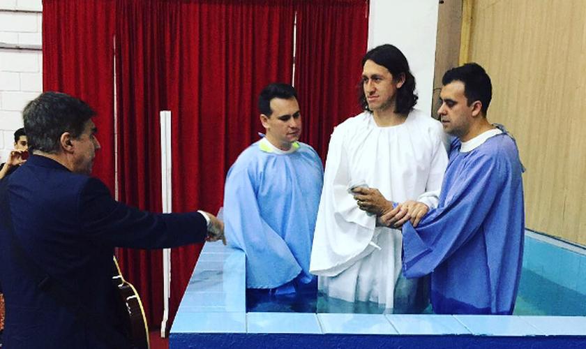 Cássio foi batizado na Igreja Voz Da Verdade em Alphaville, em São Paulo. (Foto: Reprodução/Instagram)