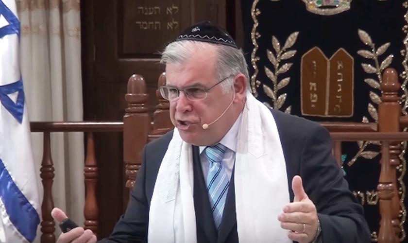 O rabino Marcelo M. Guimarães faz parte do movimento de judeus messiânicos, que reconhecem Jesus como Messias. (Foto: Reprodução/YouTube)