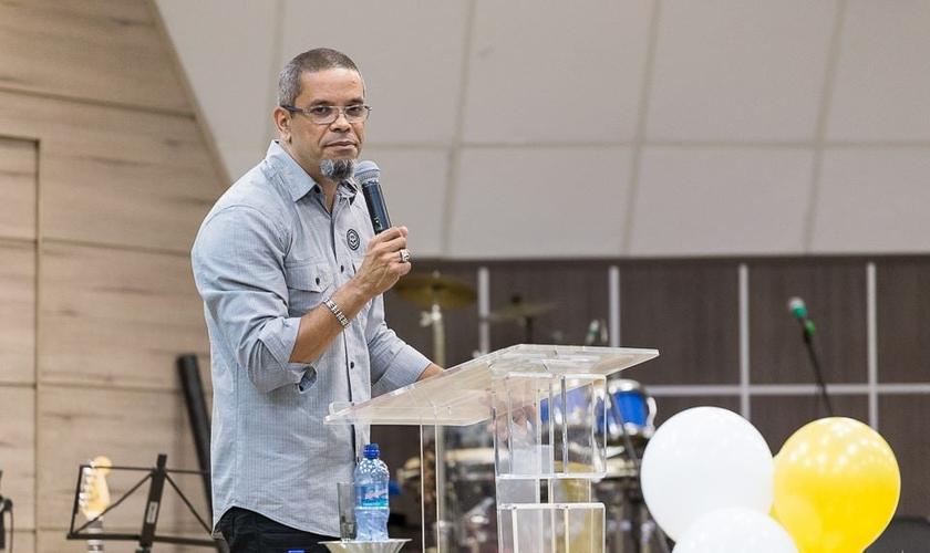 Neil Barreto é pastor da Igreja Batista Betânia, no Rio de Janeiro. (Foto: Facebook/Igreja Batista Betânia)