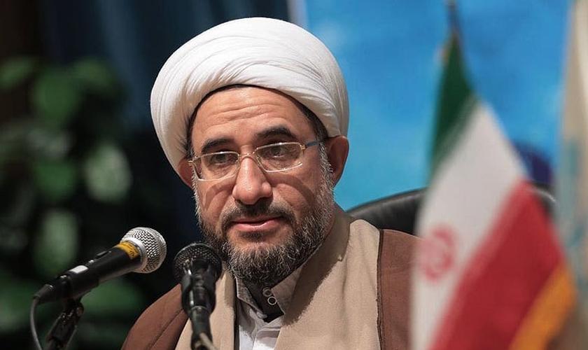 O líder islâmico Mohsen Araki virá ao Brasil na próxima semana. (Foto: Reprodução)