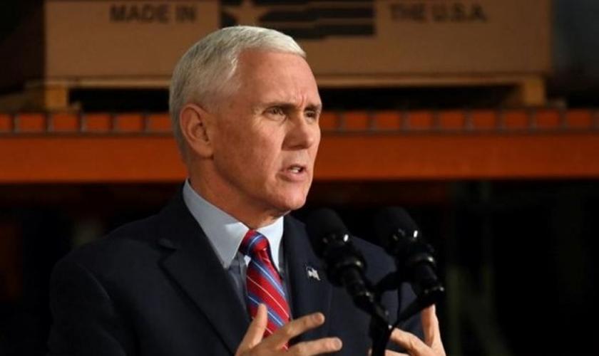 Vice-presidente dos EUA, Mike Pence, foi um dos preletores na conferência anual da organização 'Cristãos Unidos por Israel'. (Foto: Reuters)