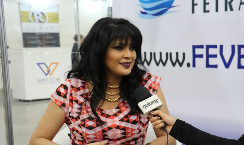 Neya Fernandes contou seu testemunho ao Guiame durante a Expoevangélica. (Foto: Guiame)