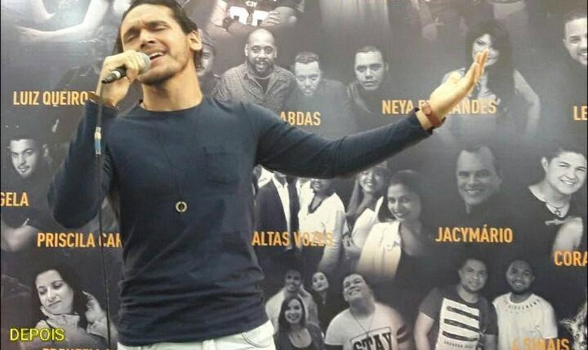O cantor ministrou durante a Expoevangélica 2017, em Fortaleza (CE). (Foto: Reprodução/Facebook).
