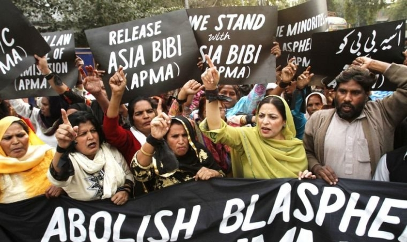 Uma das vítimas mais conhecidas, que firam acusadas de blasfêmia, é Asia Bibi. (Foto: Reuters).