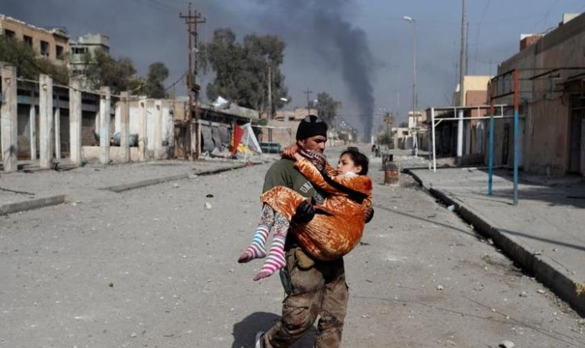 O missionário ressalta que os iraquianos precisam de muita ajuda. (Foto: Reuters).
