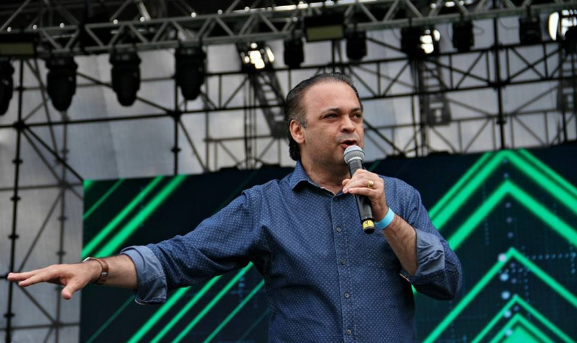 Lucena criticou a visita do líder conhecido por promover discursos de ódio contra Israel. (Foto: Reprodução/Facebook)