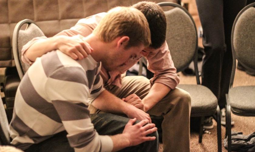 O missionário orou junto com o homem que ia se matar. (Foto: Odyssey).