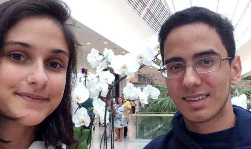 Augusto e Isabella desenvolveram uma amizade durante o ensino médio. (Foto: Arquivo Pessoal).