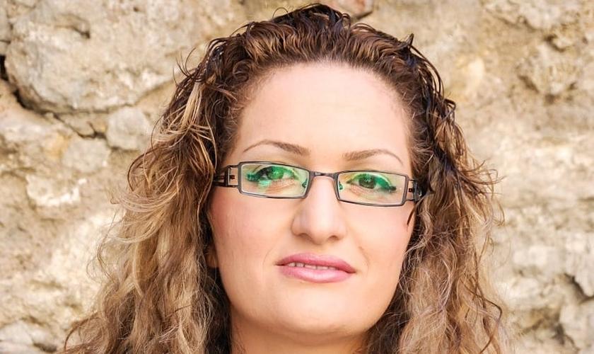 Maryam Naghash Zargaran foi presa em 2013, juntamente com o pastor Saeed Abedini. (Foto: Reprodução).