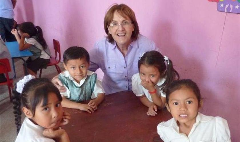 Lidia atua na área do Peru como missionária. (Foto: Missões Mundiais).