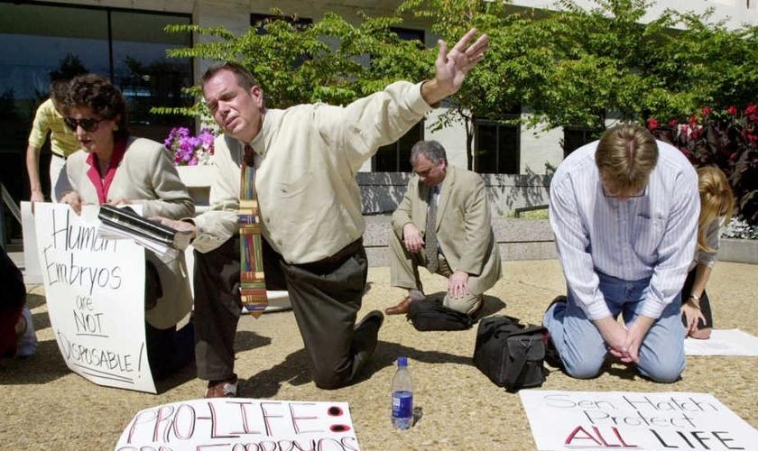 Pastores participam de ação contra o aborto, nos EUA. (Foto: Getty Images)