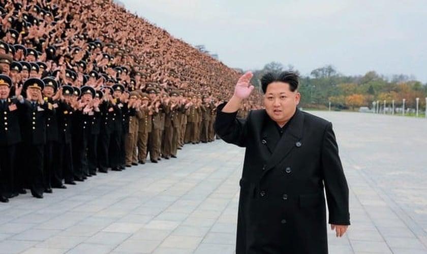 """Kim Jong-un é ditador na Coreia do Norte e está deixando de ser visto como um """"deus"""" pelos norte-coreanos. (Foto: Época)"""