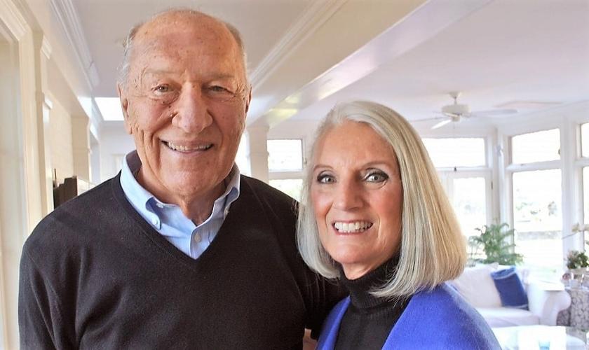 Danny Lotz (esquerda) foi casado com Anne Graham Lotz (direita) e faleceu em agosto de 2015. (Foto: Billy Graham Evangelistic Association)