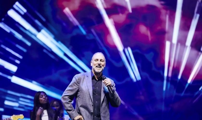 O pastor fundador da Igreja Hillsong, Brian Houston, na Austrália. (Foto: Hillsong)
