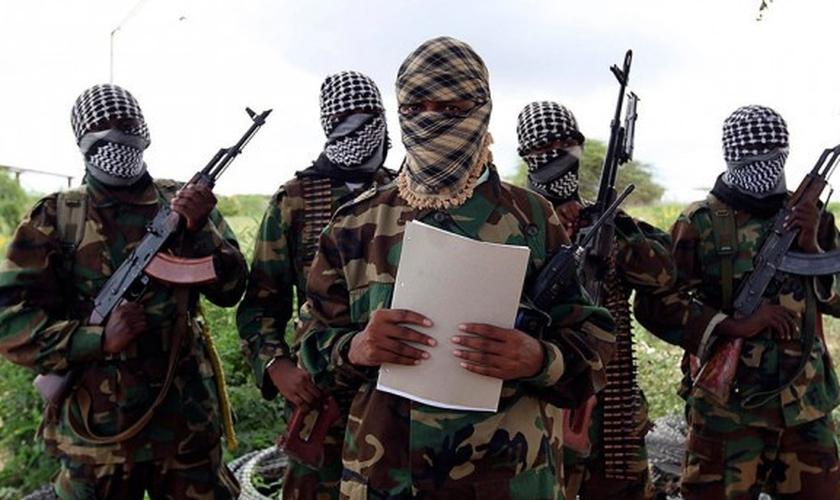 Terroristas do Al Shabab têm sua base principal na Somália, porém também estão perseguindo e matando cristãos no Quênia. (Foto: Tert.am)