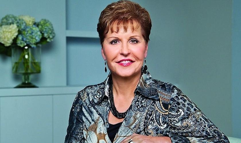 """Joyce Meyer é escritora, palestrante e autora de famosos livros cristãos, como """"Eu e Minha Boca Grande"""". (Foto: AZTV.com)"""