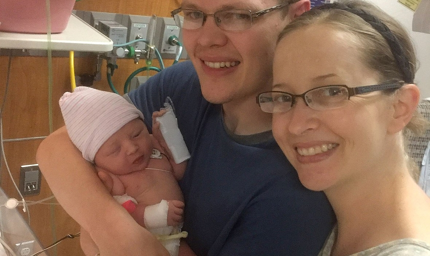 A pequena Adrielle nasceu saudável após a tempestade que afetou o Texas. (Foto: Gregory Smith)
