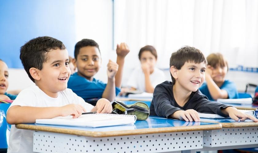 As escolas confessionais apresentam uma base cristã de educação. (Foto: Reprodução).