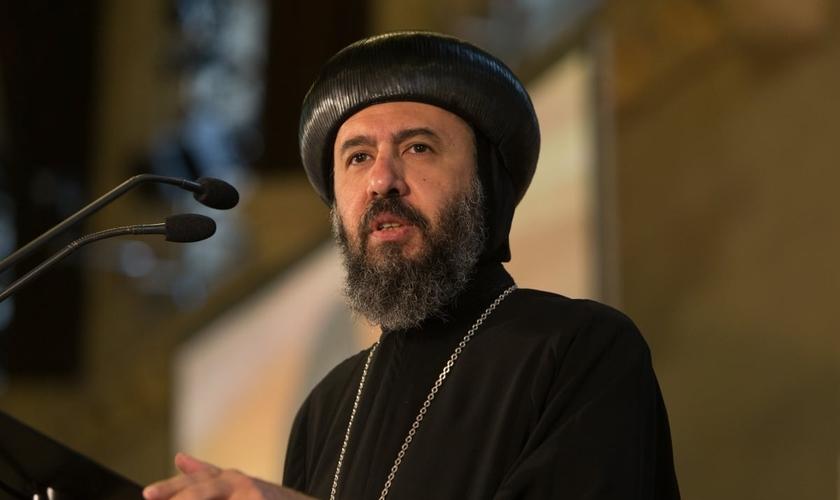 Anba Angaelos enviou uma mensagem de compaixão aos militantes do Estado Islâmico. (Foto: Reprodução)