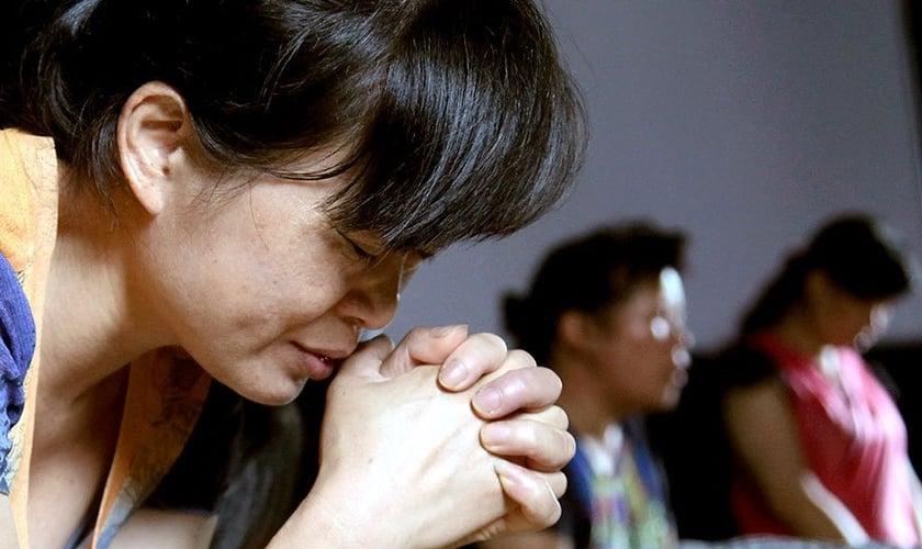Com a nova legislação, cristãos serão proibidos de se reunirem para estudos bíblicos em igrejas e casas. (Foto: China Aid)