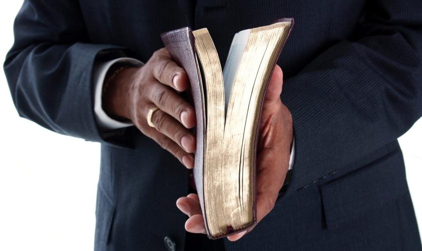 O pastor afirma que a Igreja evangélica no Brasil saltou de um extremo para outro. (Foto: Reprodução).