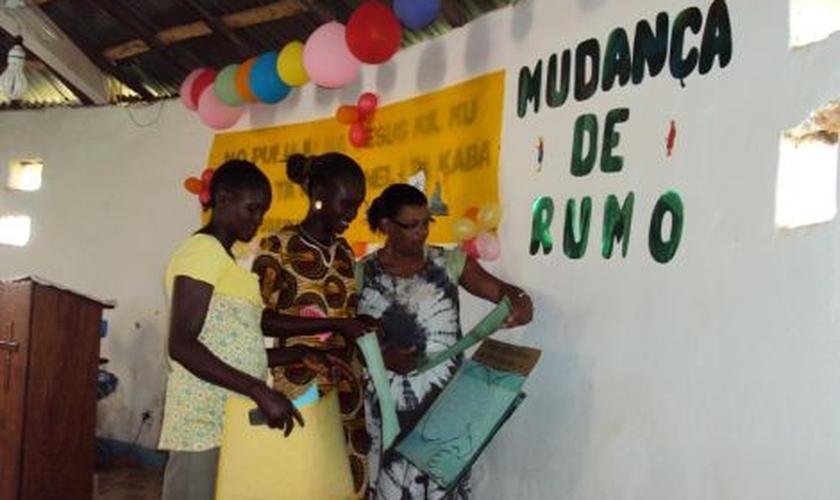Rosenilda Almeida está há mais de dois anos convivendo em Guiné-Bissau. (Foto: Missões Mundiais).