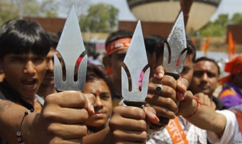 O pastor e seu amigo foram parados por 25 homens. (Foto: Reuters).