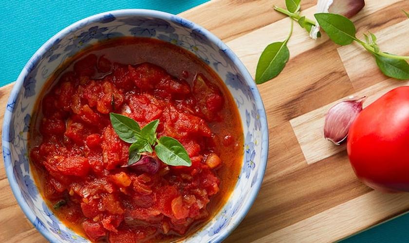 Confira a receita preparada pela nutricionista Indianara Coimbra, da Trebeschi Tomates. (Foto: Reprodução)