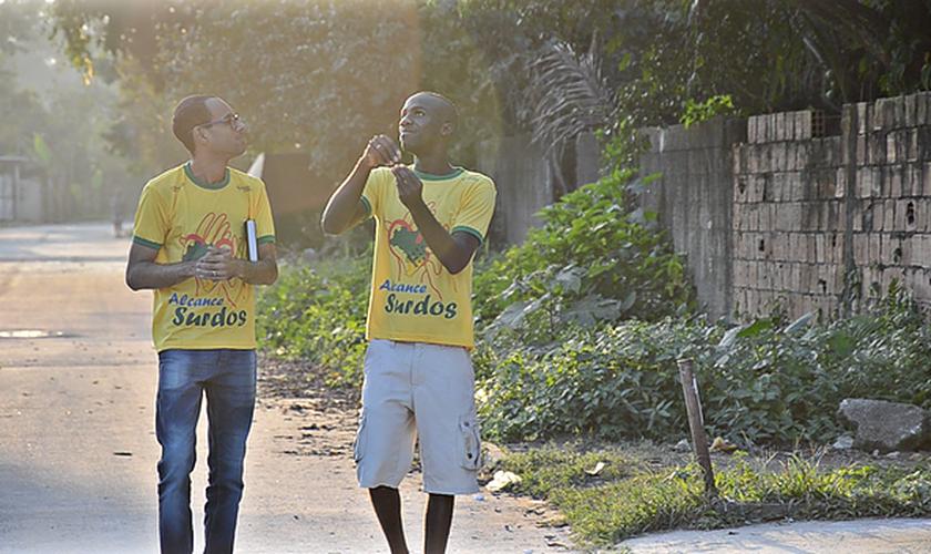 A JMN atua em favor do grupo com seis projetos de plantação de Igrejas em Libras. (Foto: JMN).