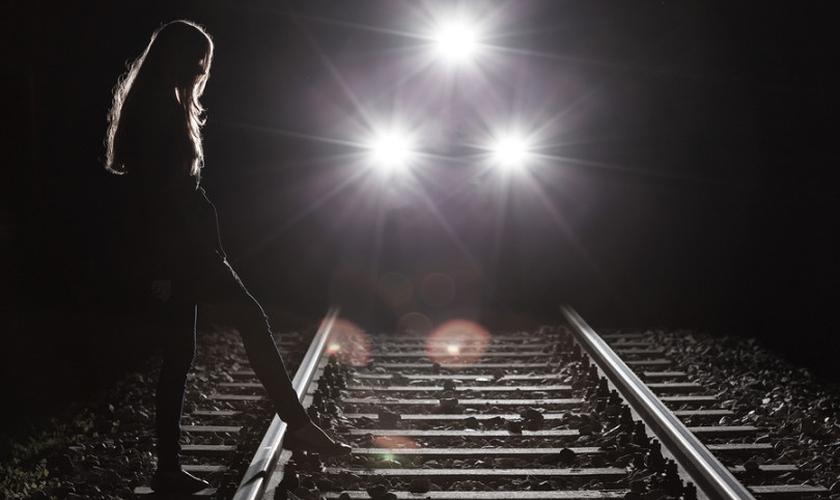 Poucos procuram ajuda da igreja antes do suicídio, revela pesquisa. (Foto: Shutterstock)